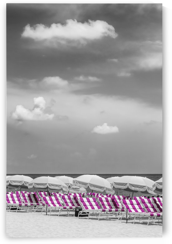 Idyllic beach scene | pink color pop by Melanie Viola