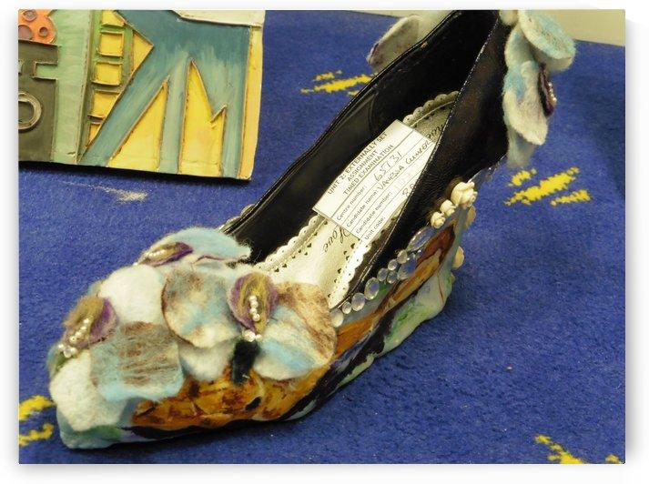 Shoe sculpture by Vanessa Cumper