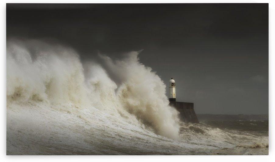 Crashing waves at Porthcawl by Leighton Collins