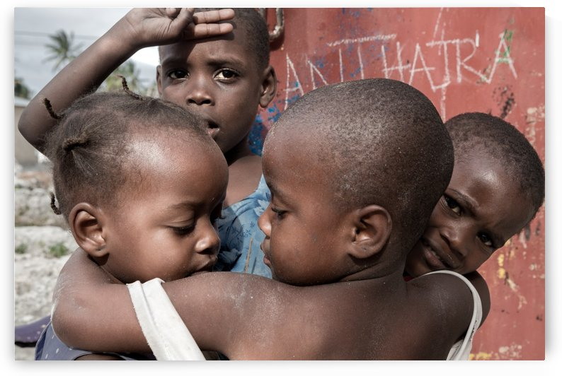 Zanzibar meeting in love. by Papdi Zoltan Silvester