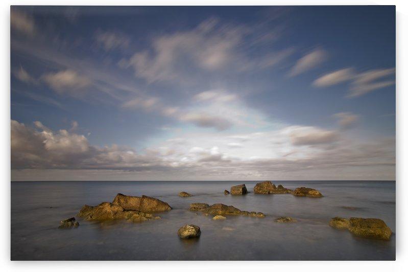 Dawn on the rocks by Elejota