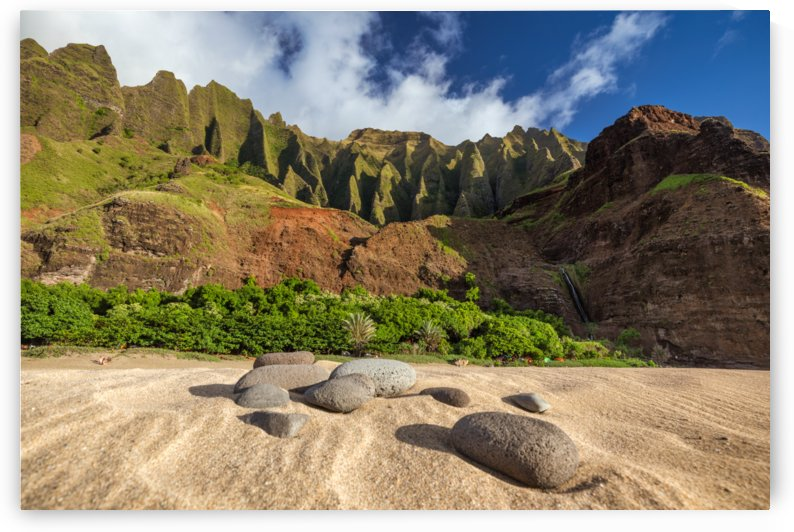 Kalalau Rocks by Dave Tonnes
