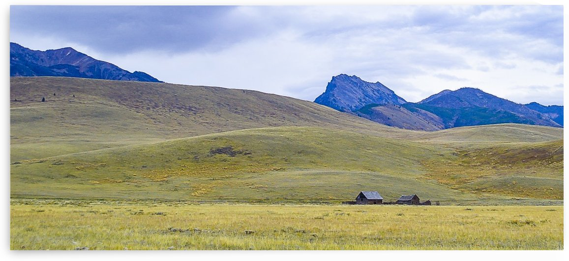 Sphinx Mountain homestead by Scene Again Images: Photography by Cliff Davis