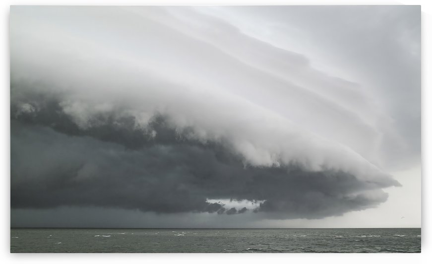 Outer banks Storm Clouds. by Ian Barr