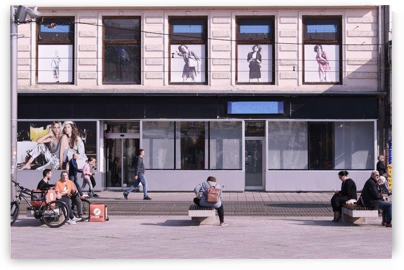 Street theater by Alen Gurovic