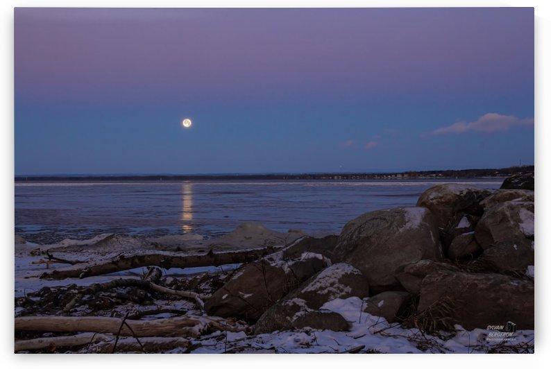Reflet de lune-2 by Sylvain Bergeron Photographies