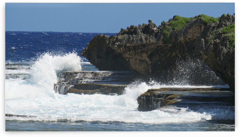 Angry Waves against a Stone Stage by On da Raks