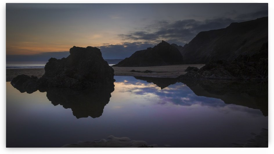 Rockpool reflections at sunset by Leighton Collins