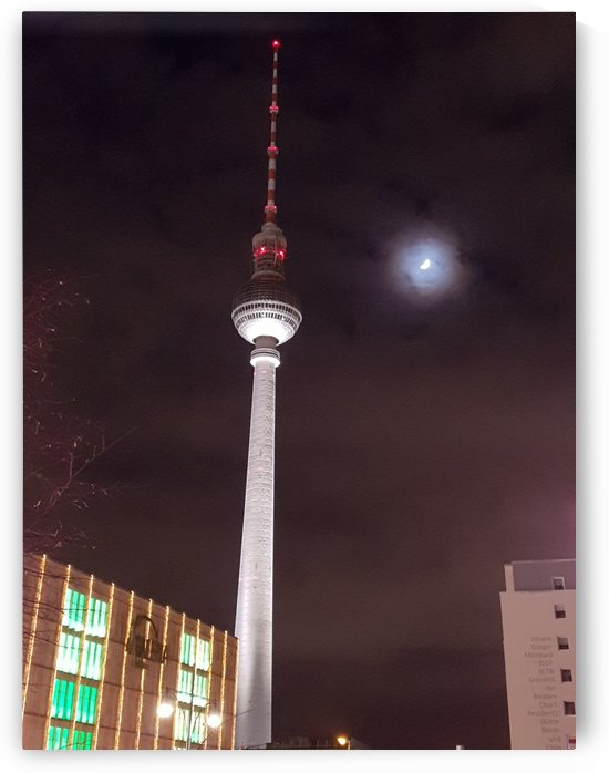 Berlin tv tower by Locspics