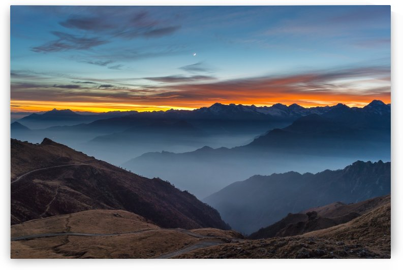 Sunset in mountain peak by CyclopsfromHungary