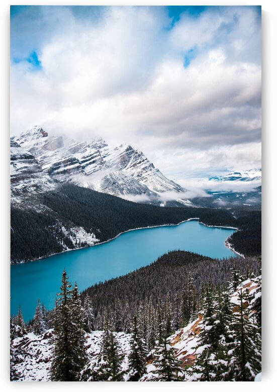 Wintry Peyto Lake by Lucas Moore