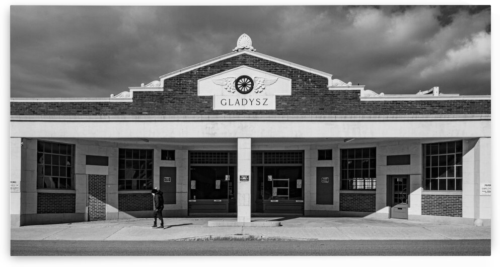 Gladysz Gas Station by Dave Therrien