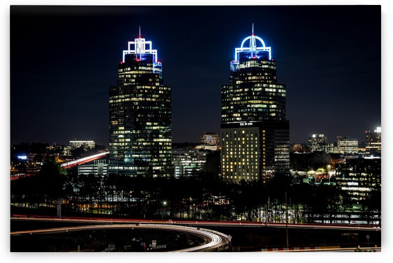 King and Queen Buildings at Night 9979 by @ThePhotourist