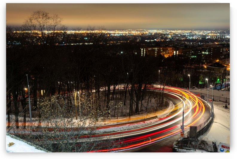 Light trails in a curved road by RezieMart