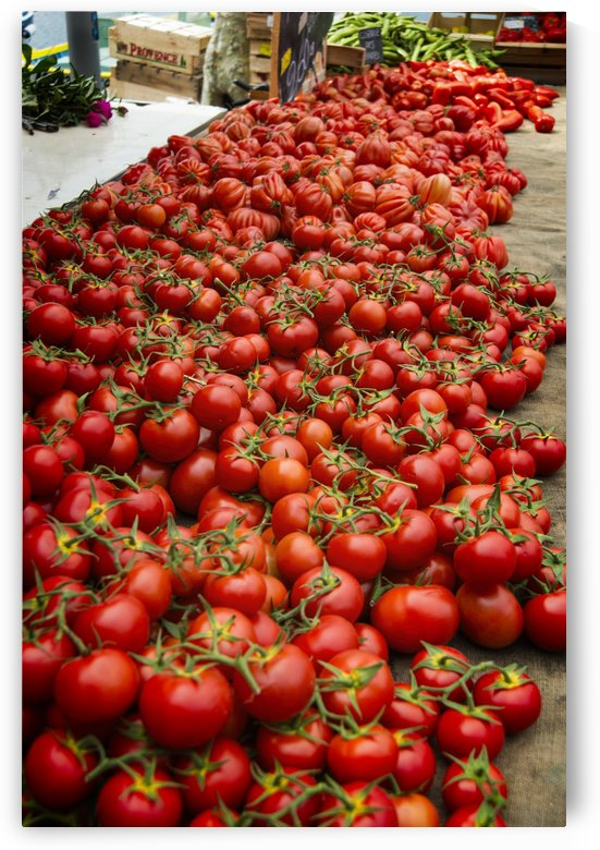 Fresh Tomatoes on sale outdoor market by Downundershooter