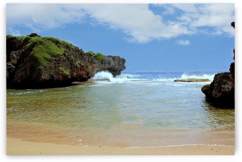 Hidden Beach by On da Raks