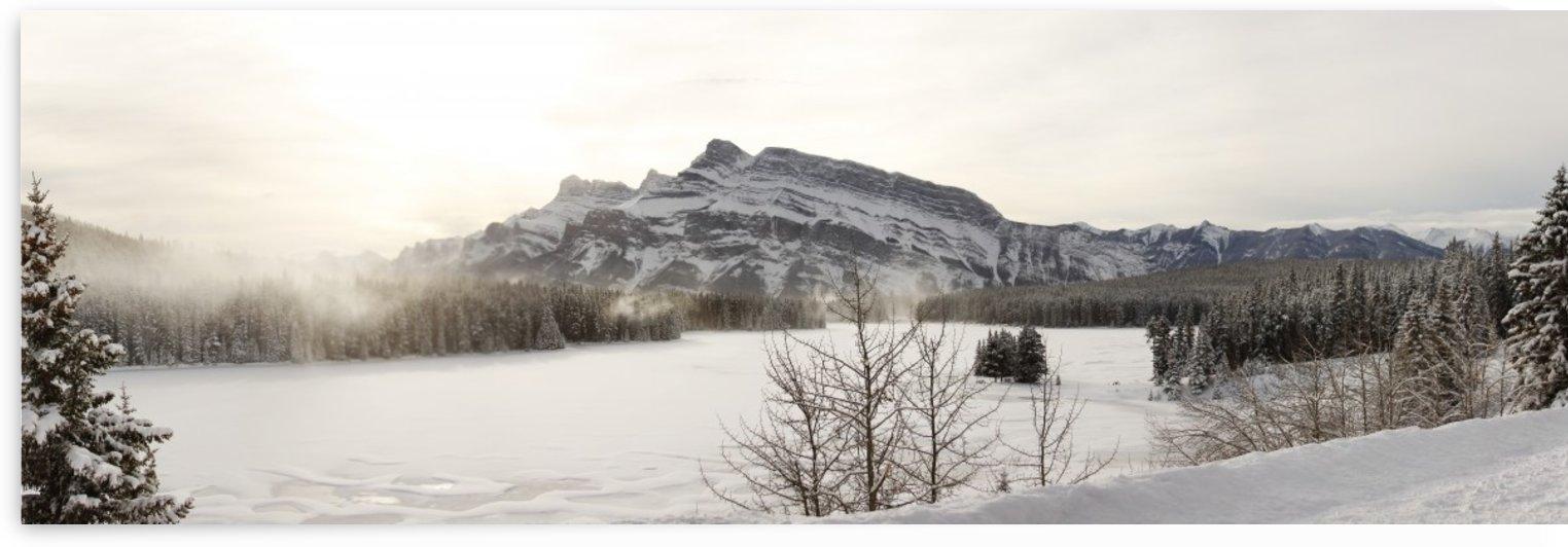 Frozen Lake by Jonathan Wormgoor