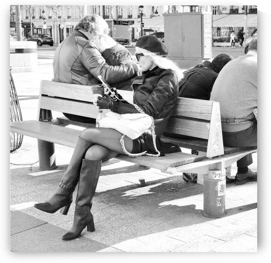 Dimanche Le Long de Champs Elysees by Bill Osuch