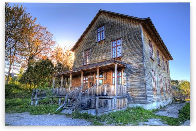 Maison abandonnee by Christian Bibeau