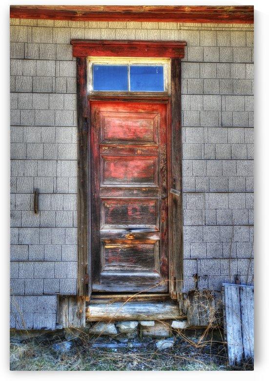 Porte rouge by Christian Bibeau