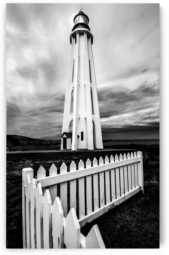 Le majestueux phare de Pointe-au-Pere by Sebastien Bouchard Photographies