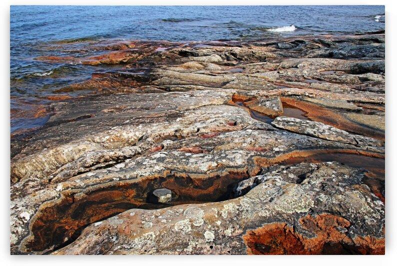 The Roc kOf Wreck Island VII by Deb Oppermann