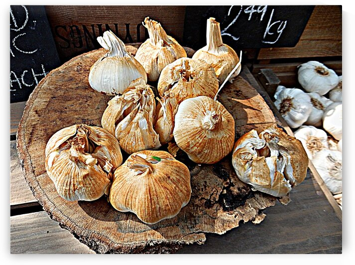 Smoked Garlic by Dorothy Berry-Lound