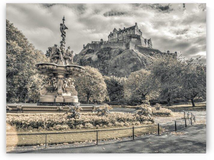 Edinburgh Castle by Assaf Frank