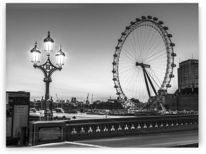 Street lamp on Westminster Bridge with London Eye in background, London, UK by Assaf Frank