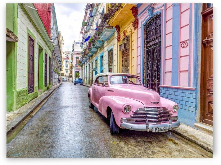 Vintage car on street of Havana, Cuba by Assaf Frank
