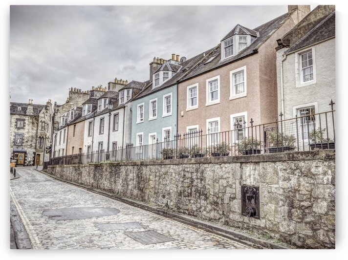 Multicolored buildings in South Queensferry, Scotland by Assaf Frank