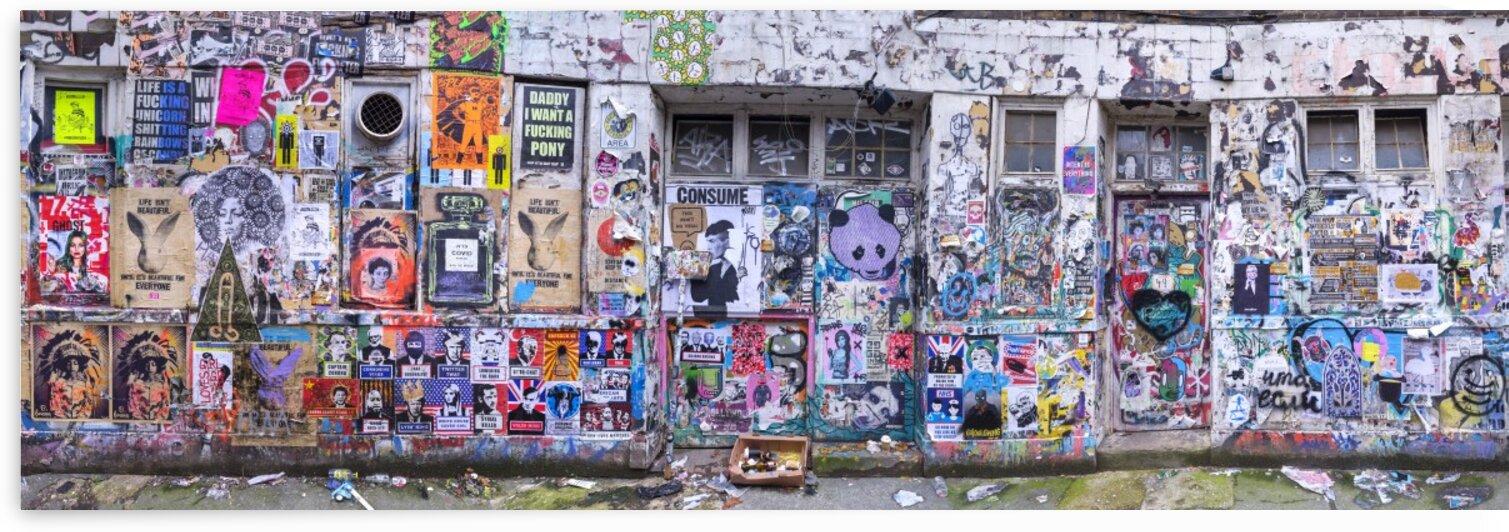 Graffiti, Brick Lane, London by Assaf Frank