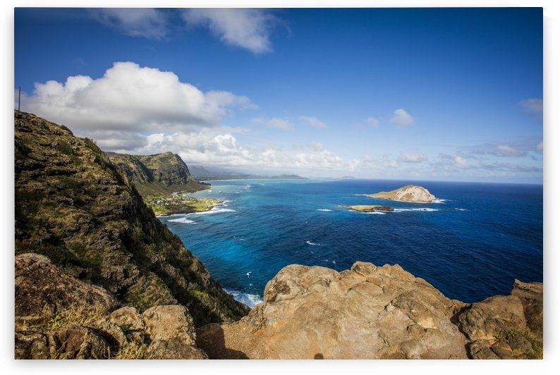 MakaPuu Lookout  by Ramon Brockington