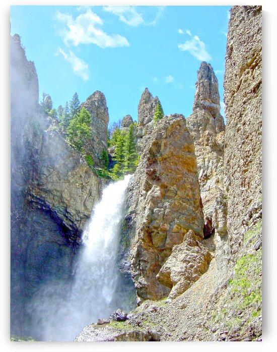 Yellowstone Waterfall - Grand Canyon of the Yellowstone River - Yellowstone National Park by 360 Studios