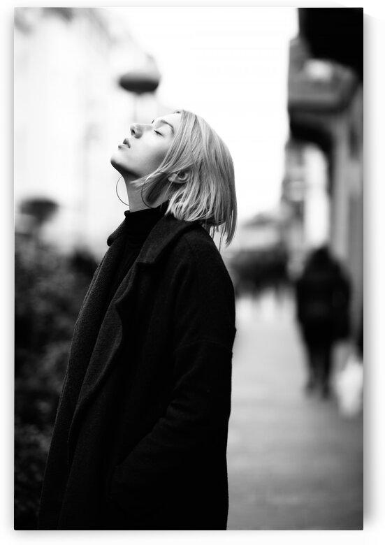 black and white by Aquamarine