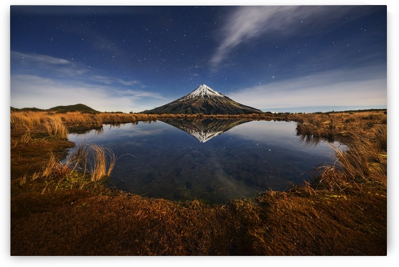Mount Taranaki under Moonlight by 1x