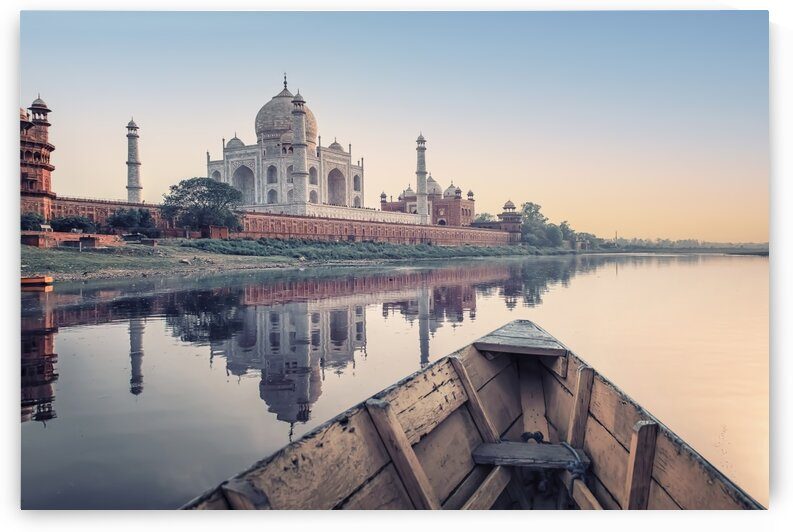 Yamuna river by Manjik Pictures