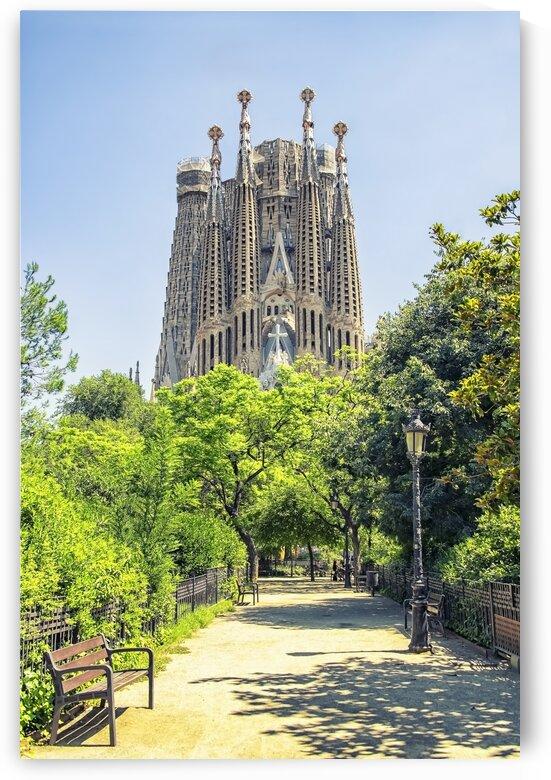 Sagrada Familia by Manjik Pictures