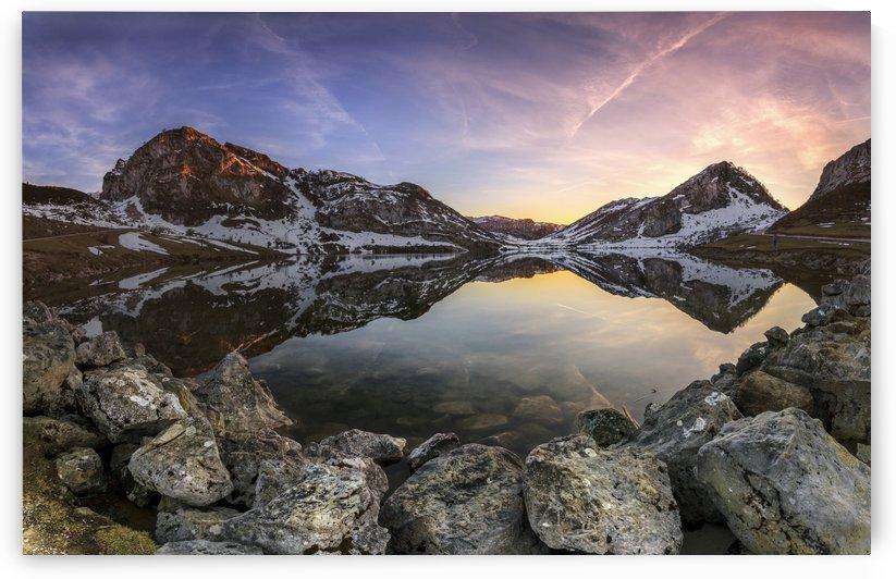 Lago Enol by Glendor Diaz Suarez by 1x