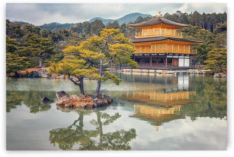 Kinkaku-ji  by Manjik Pictures