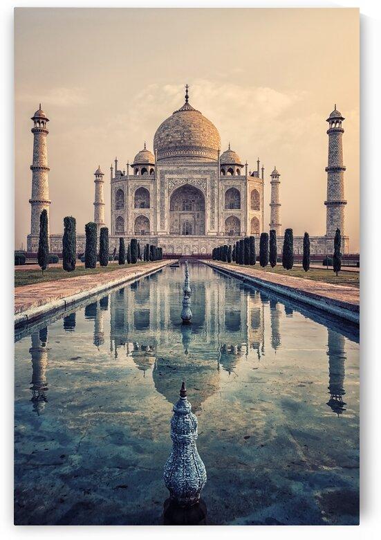 Taj Mahal mausoleum by Manjik Pictures