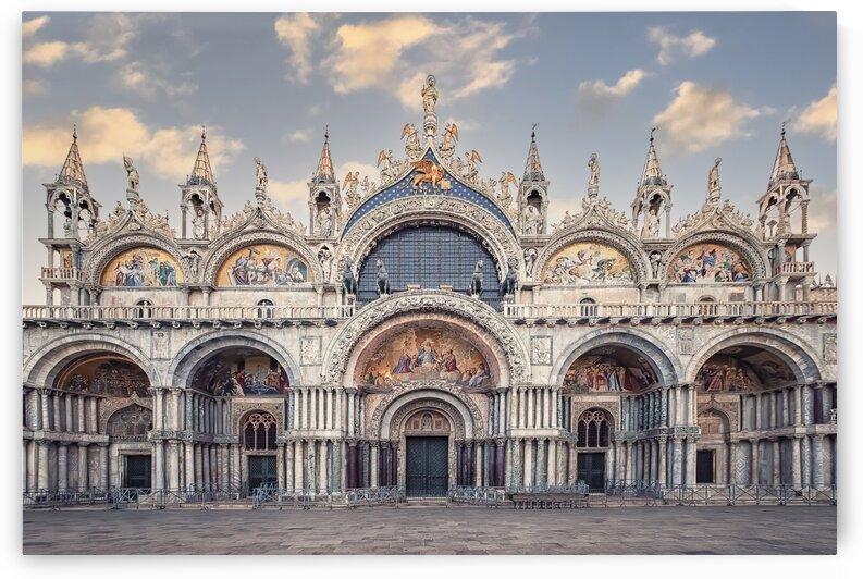 St Marks Basilica by Manjik Pictures