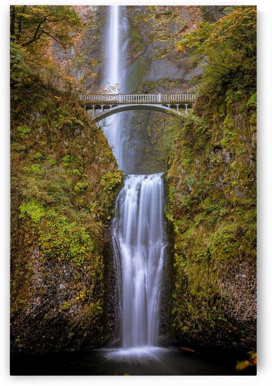 Multnommah Falls Oregon by Sebastian Dietl