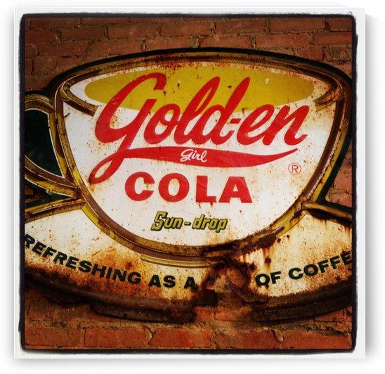 Gold-en Cola by VINTAGE POSTER