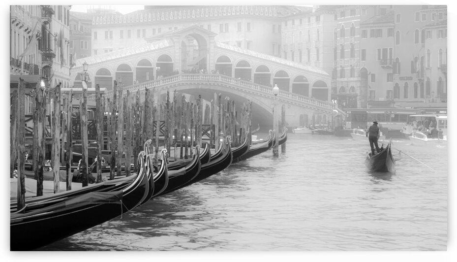Gondolier by Luigi Girola