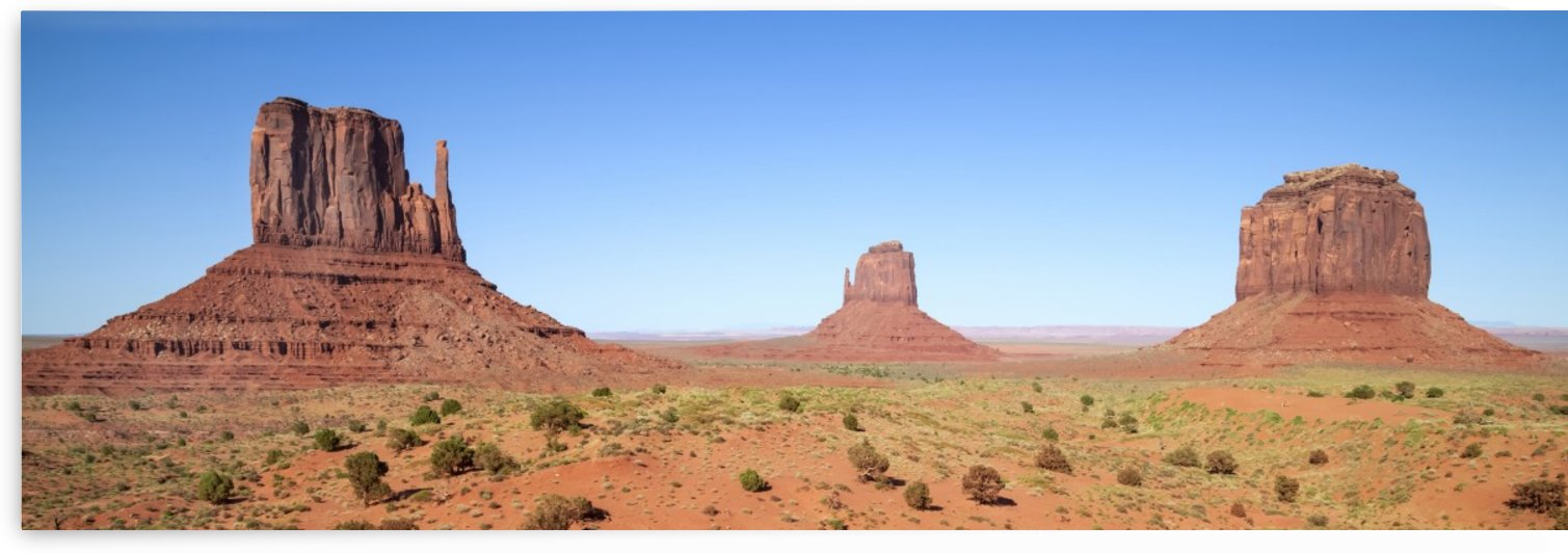 Fascinating Monument Valley | panoramic view by Melanie Viola