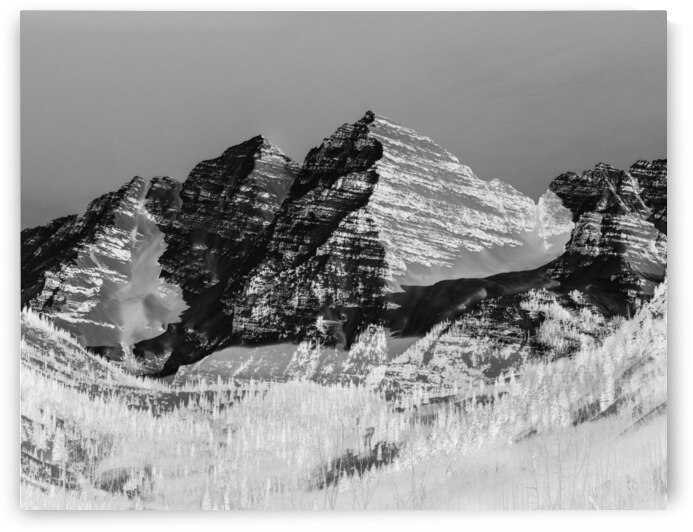 The Maroon Bells in Colorados Rocky Mountains USA by Canvapro