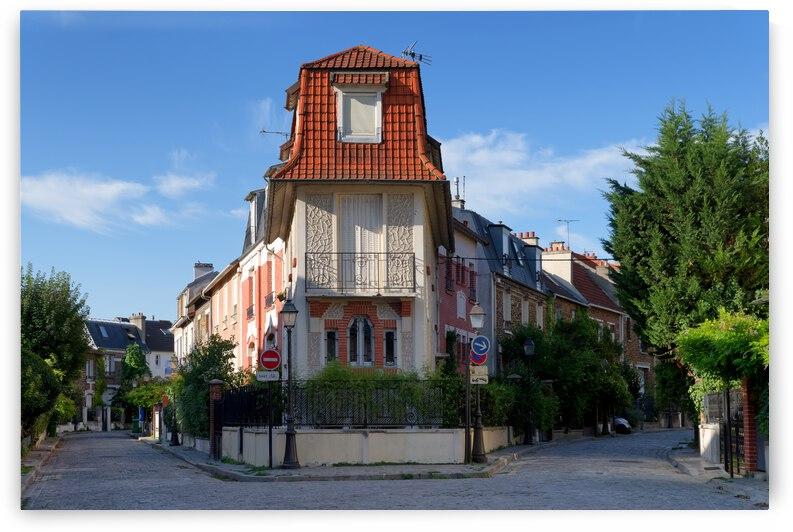 Parisian house by Hassan Bensliman