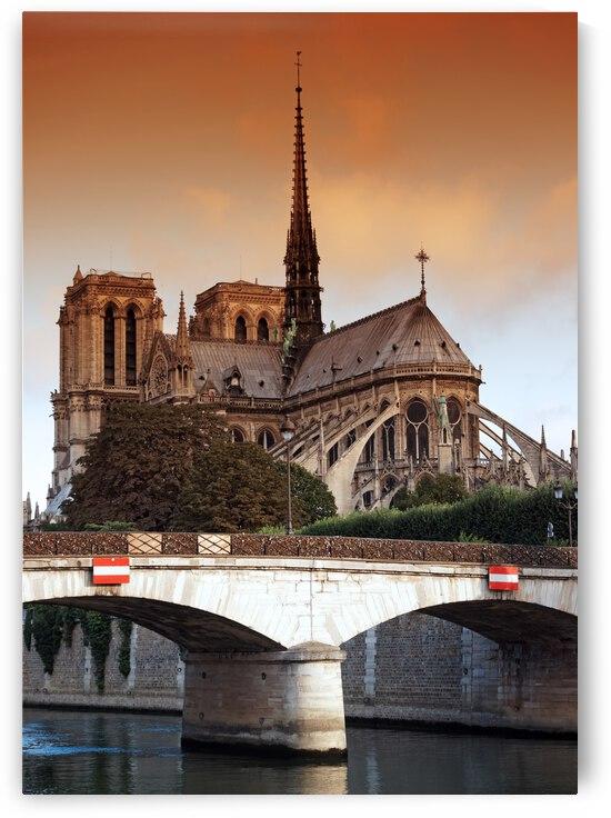 Archeveche bridge by Hassan Bensliman