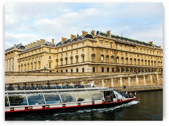 Paris Boat Tour by Andre Luis Leme